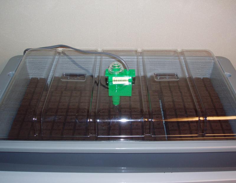 発芽用の保温器